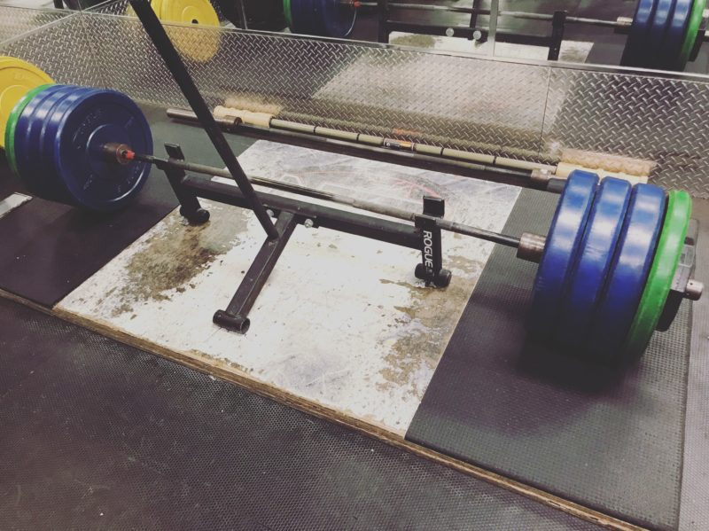 deadlift platform for strength training and bodybuilding workouts