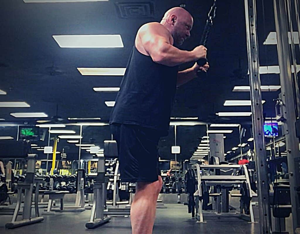 Triceps Rope pressdowns start