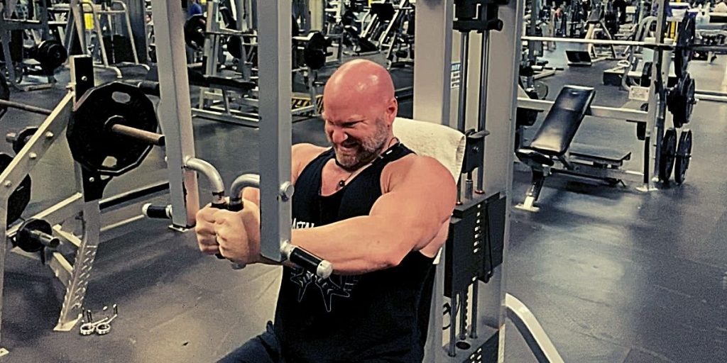 Pre-Exhaust Chest Workout